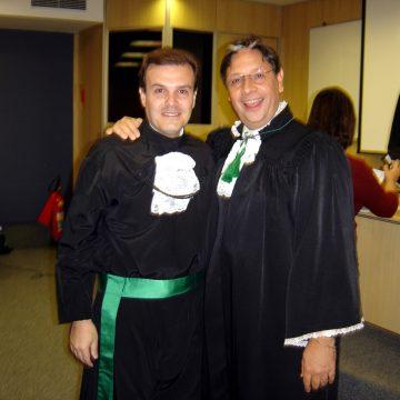 Mestrado Santa Casa de São Paulo 2007 com o trabalho Complicações em Transplante de Cabelos